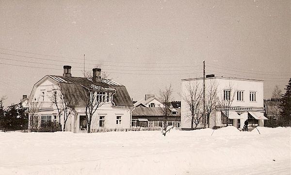 Erjon Kellon kaksi liiketaloa 1917 - 1983.